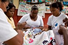 Mujeres tejedoras